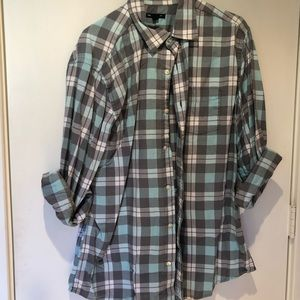 Lightweight Gap LS plaid shirt